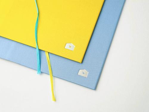 kataibunko_lightblue_yellow_03.jpg